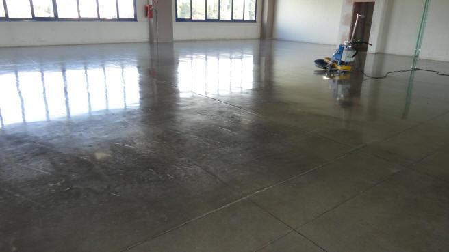 Pavimenti cemento for Scalini in cotto prezzi